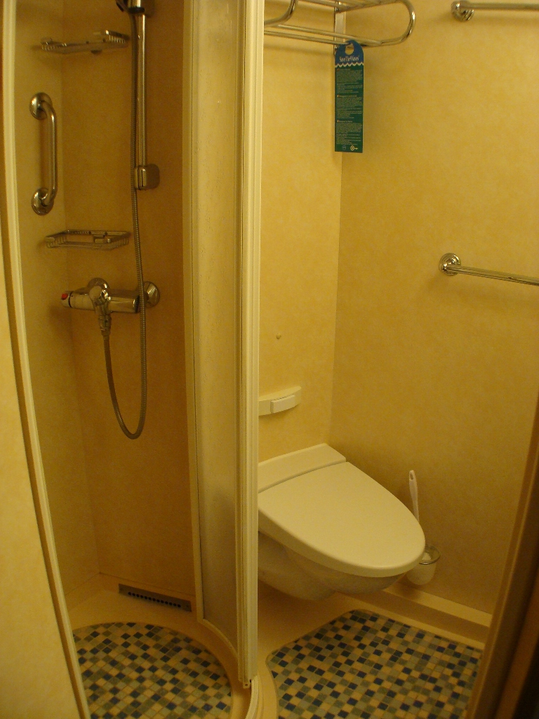 """8582 D2 Balcony Cabin bath in New """"Stretch"""" Section"""